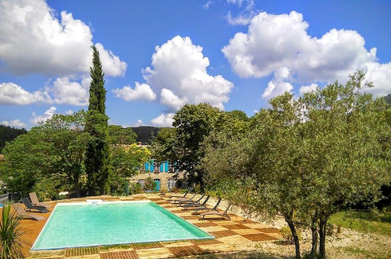 Country house among olive trees and the 72m pool