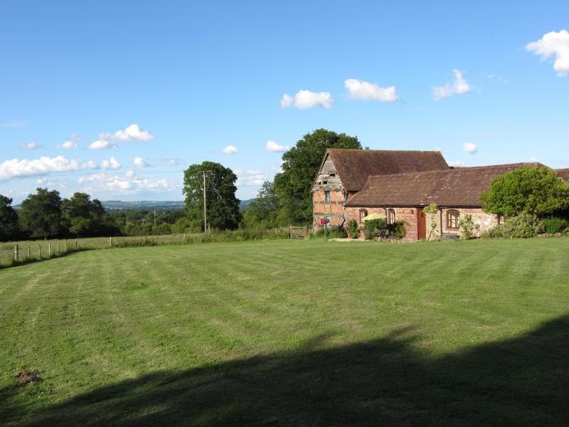 Spacious Cottage in a beautiful rural location, aluguéis de temporada em Acton Burnell