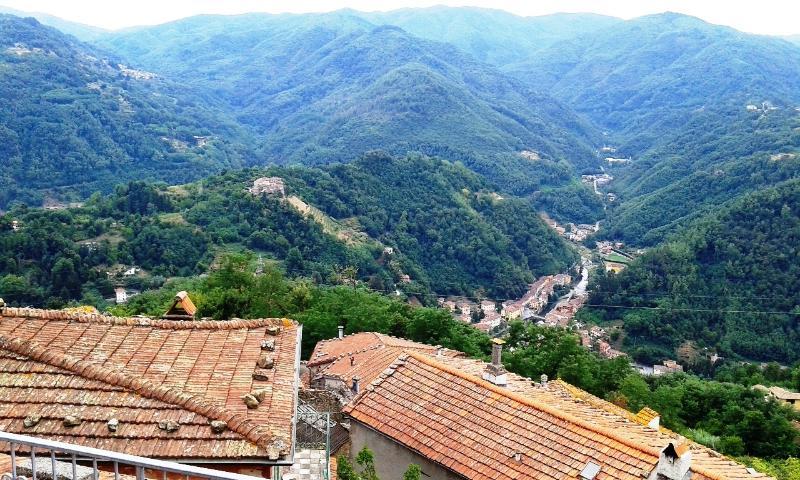 panorama dalla terrazza con vista su Bagni di Lucca