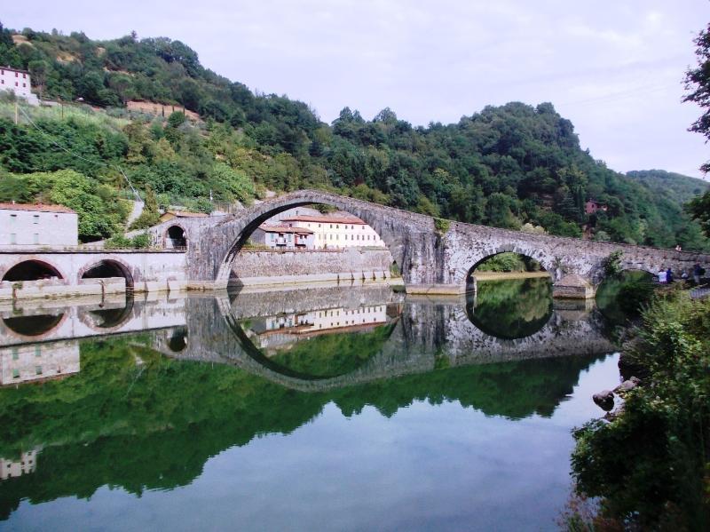 Ponte della Maddalena detto del Diavolo a Borgo a Mozzano