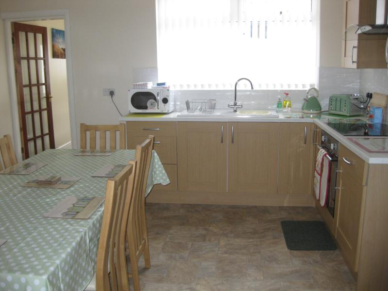 Fully equipped dining/kitchen