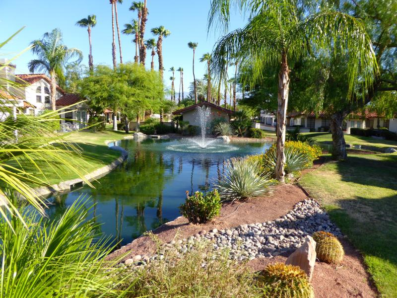Desert Falls Country Club, Spanish 1-story Villa 2+2 Palm Desert, vacation rental in Palm Desert
