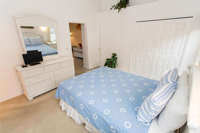 La camera da letto matrimoniale con bagno