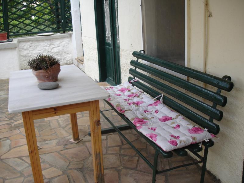 Chios Stone House, aluguéis de temporada em Vessa