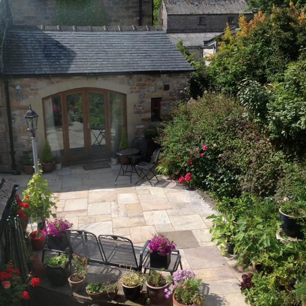Chestnut Barn - a pretty little cottage, holiday rental in Calver