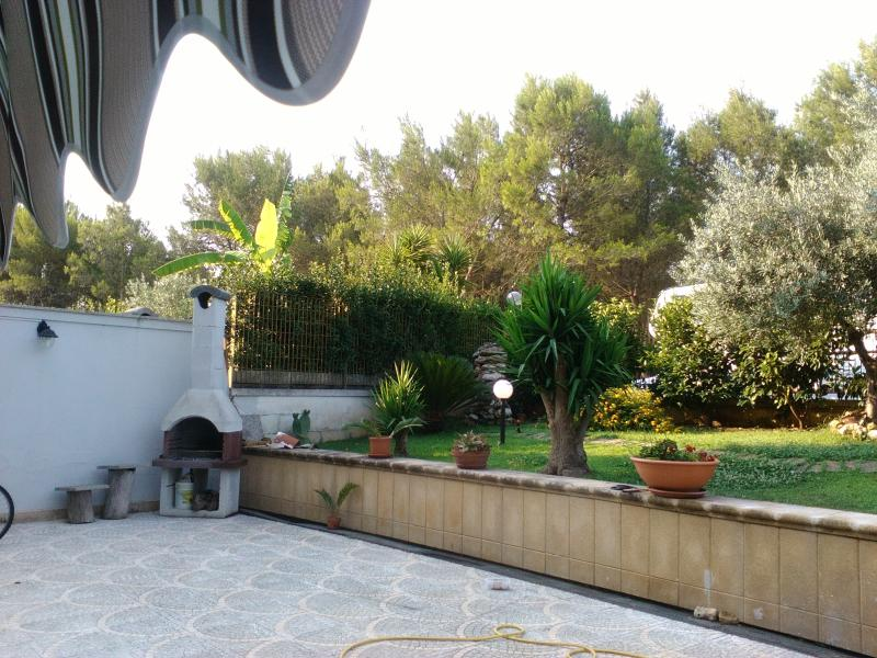 bilocale immerso nel verde, holiday rental in Lequile