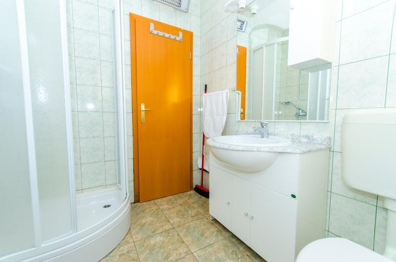 Apartments bathroom