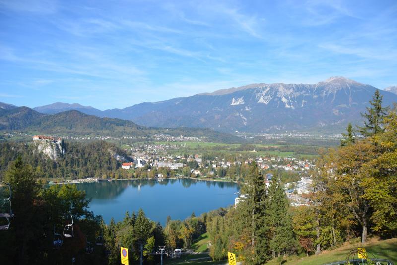 Esta auténtica casa de familia eslovena está situada a sólo un par de millas del lago Bled.