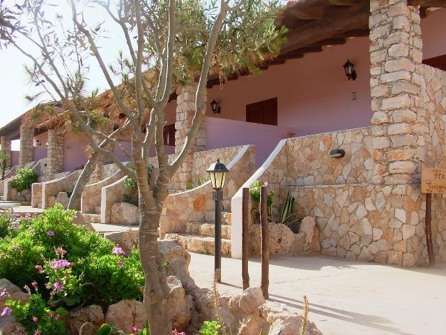 Bilocale 2 PAX punta sottile, holiday rental in Grecale