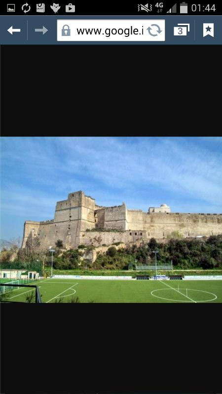 campi calcio  stupendo Castello di Baia a 5 minuti dalla nostra residenza