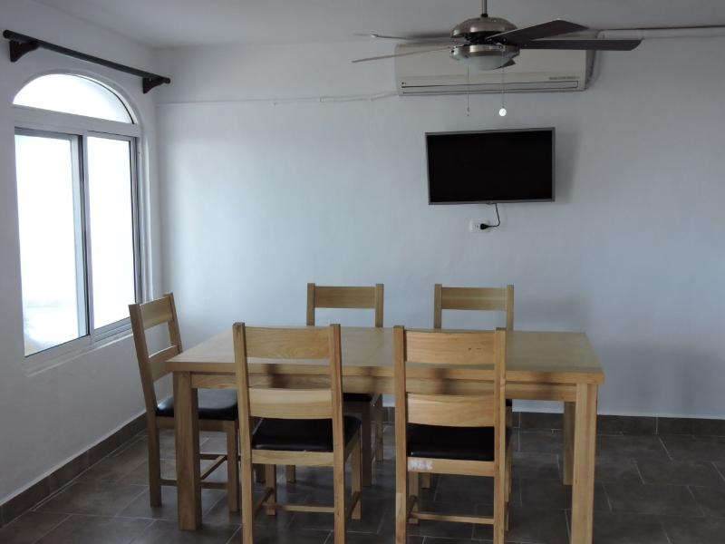 Dinning room with smart tv (no cable service)