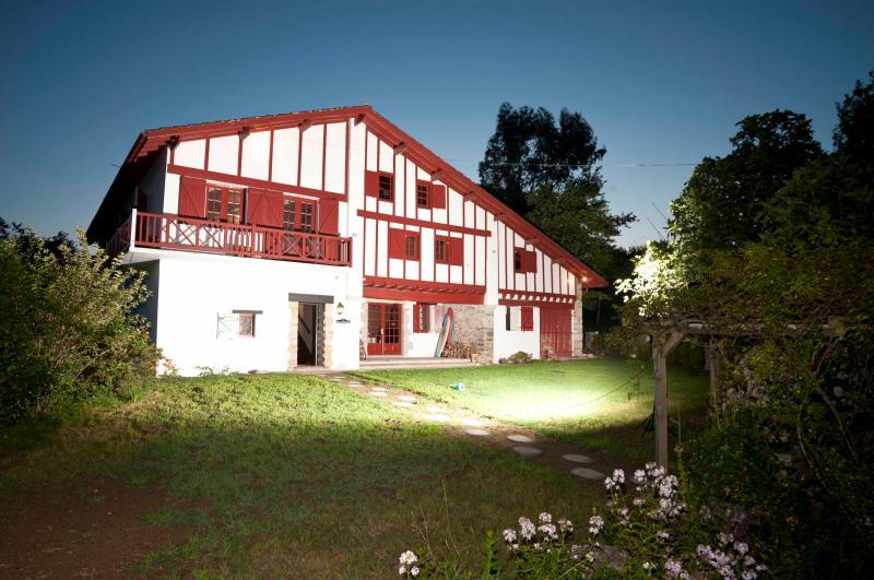 Malaxenborda XVIIIth c.basque farm near Biarritz, holiday rental in Urrugne
