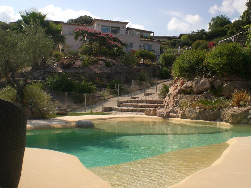 Chambre Suite de la Maison d Ambre, holiday rental in Coti-Chiavari