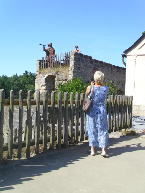 V regionu je možno navštívit z? íceninu hradu Sloup