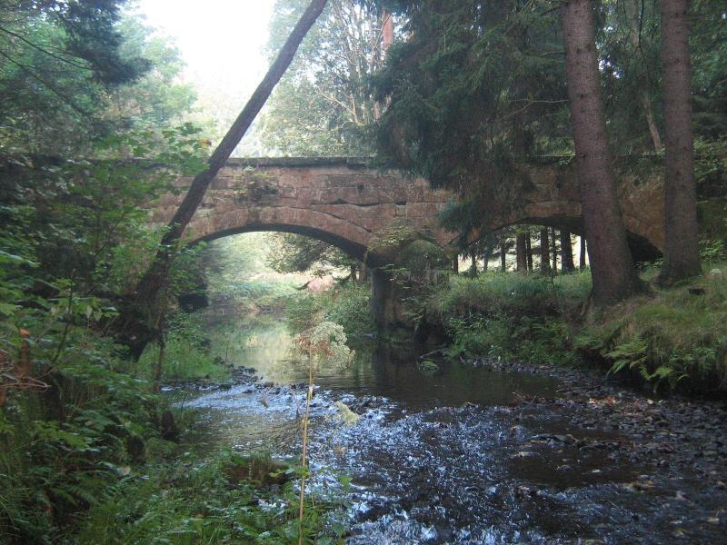 Technická památka v Dolní Ch? ibské - Akvadukt