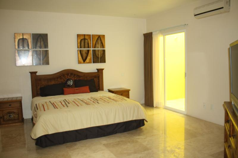 Real Marina Blue 101a, holiday rental in Huatulco