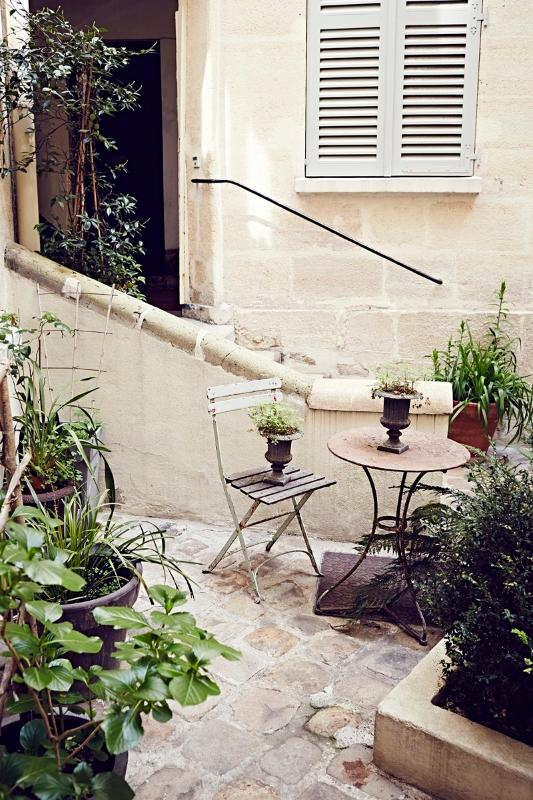 Courtyard with charm and attention to  details