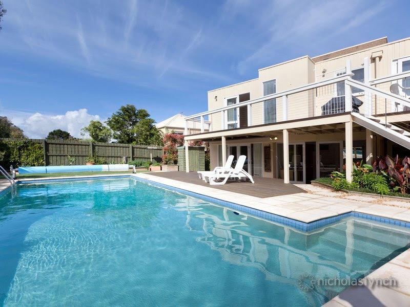 Mt Martha Modern Beach House 5 bed 3 bath VARUNA, location de vacances à Mt Martha