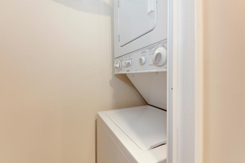 No need to pack a lot because a washer and dryer is right here!