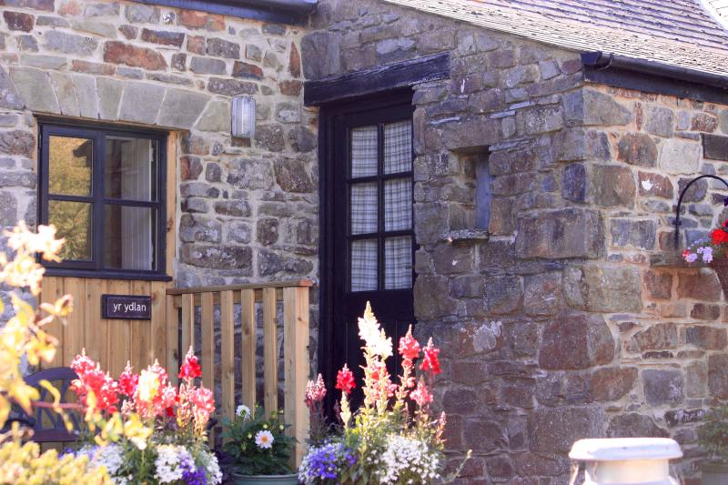 Yr Ydlan a true welshstone country cottage