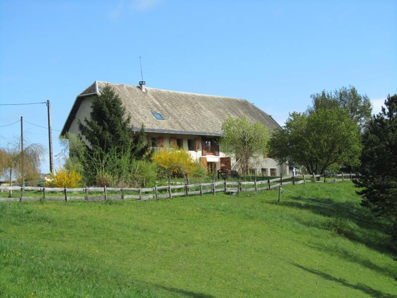 Gîte la Tarte Qui Flette, location de vacances à Lepin-le-Lac