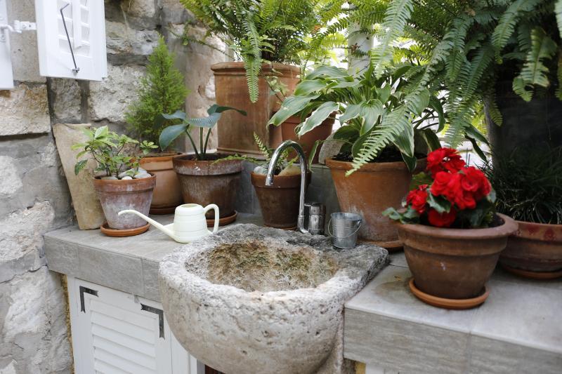 Terrace Sink