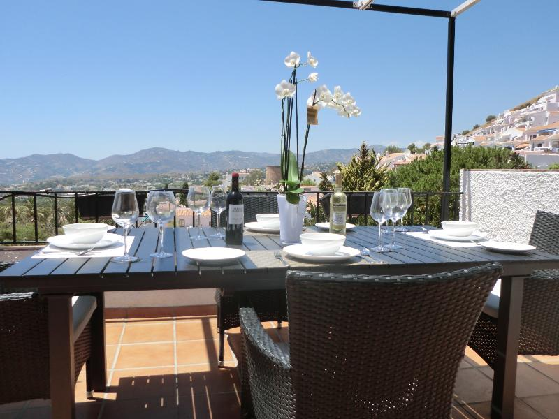 Pueblo Jazmin  CASA MI SUEÑO STUNNING PENTHOUSE APARTMENT, holiday rental in Nerja
