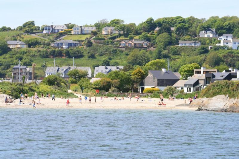 Kinsale Modern Self Catering 2 bed near beach. - Cottages for