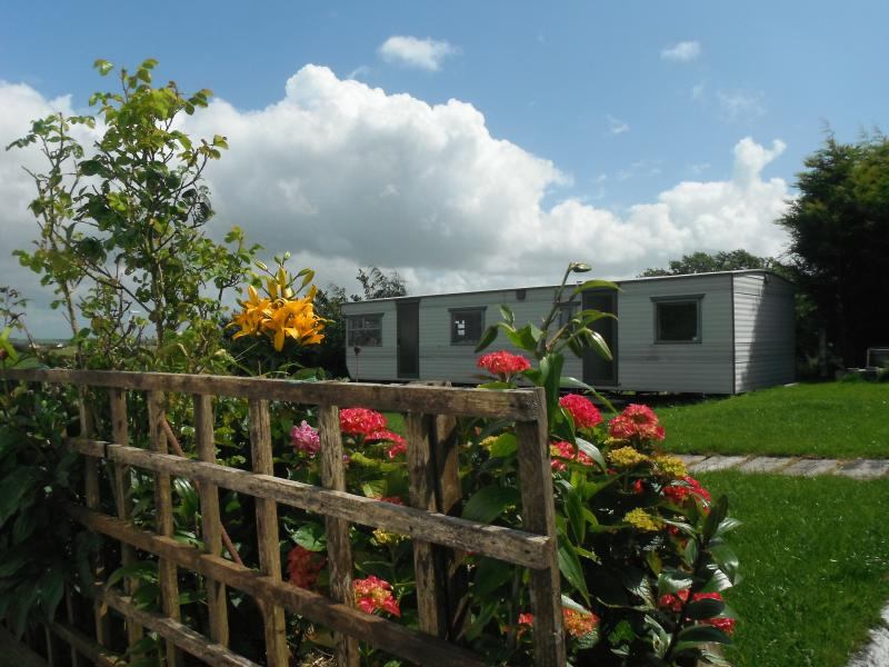 Lilly's comfy mobile home, holiday rental in Castletownshend