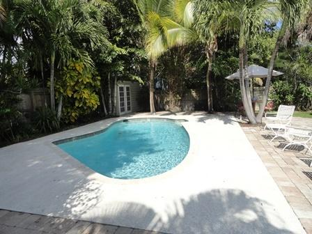 Royal Palm Cottage Private Close to Beaches, location de vacances à Palm Beach