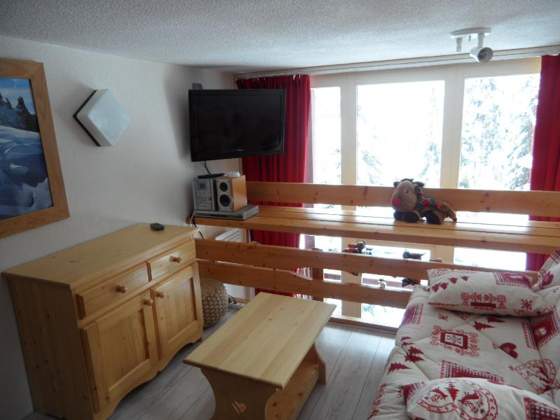 Coin salon avec télé, DVD, mini-chaine, vue sur le Mont Blanc