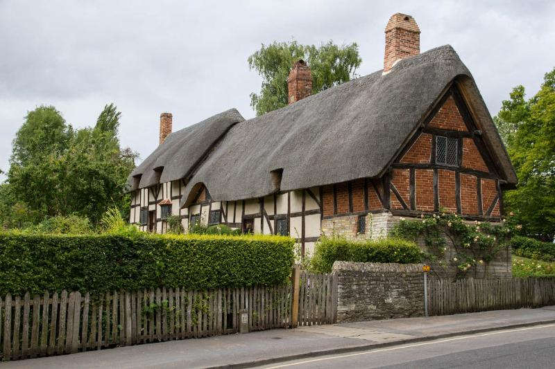 Anne Hathaway's Cottage opposite Shottery Brook.