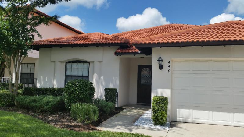 Magic on Magnolia 4BR/3BA Villa /Gated Comm / Pool & S – semesterbostad i Lake County