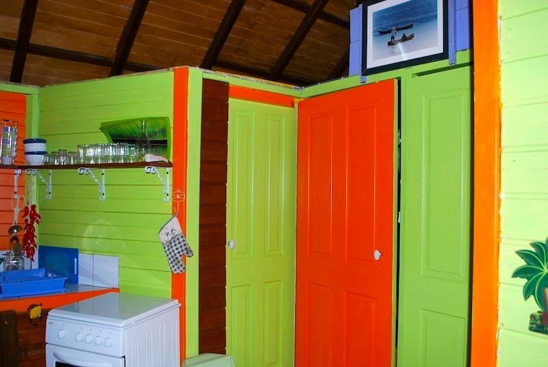 portas do quarto e casa de banho