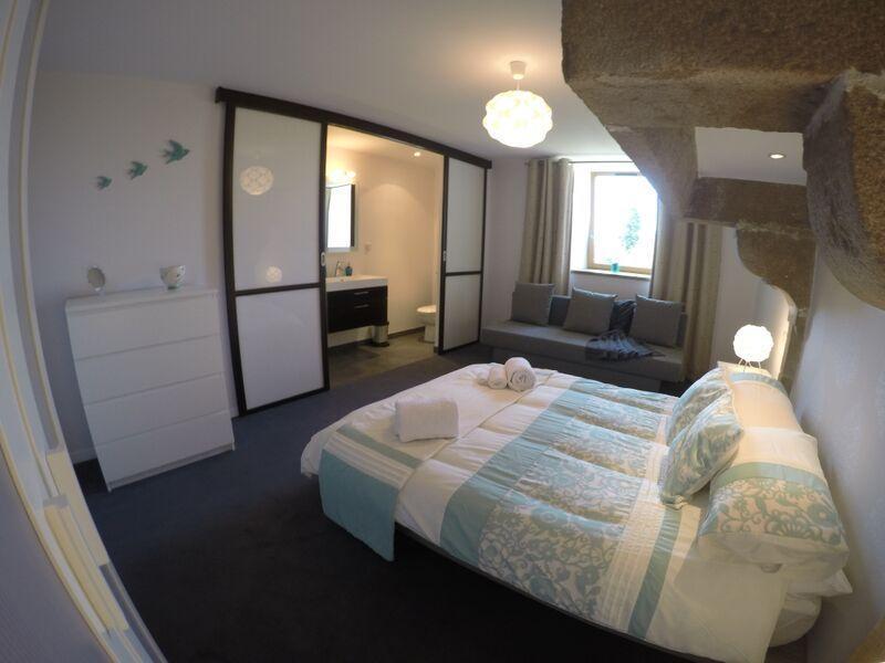 Double bedroom with hidden en-suite shower room