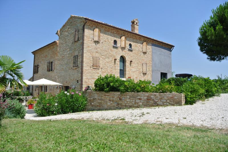 Casolare Re Sole Appartement 2-3 pers., holiday rental in Monte Giberto