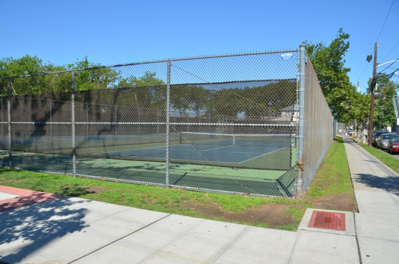 WASHINGTON PARK  Tennis courts