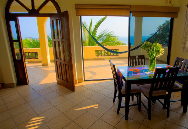 Apartamentos LAS TURQUEZAS # 5, vacation rental in Puerto Escondido