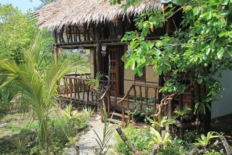Sibuyan Island - The BoatHouse (BackPack Lodge  2), vacation rental in Romblon Island