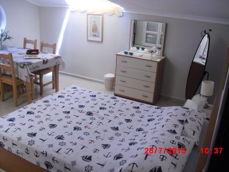 KUSADASI FOR RENT PENTHOUSE AIRY  WITH SEA VIEWS, aluguéis de temporada em Selcuk
