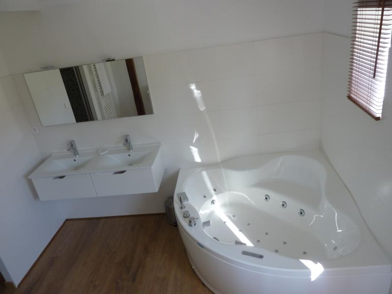 master bathroom - groundfloor 1