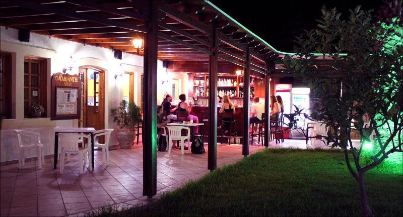 Taverna Area