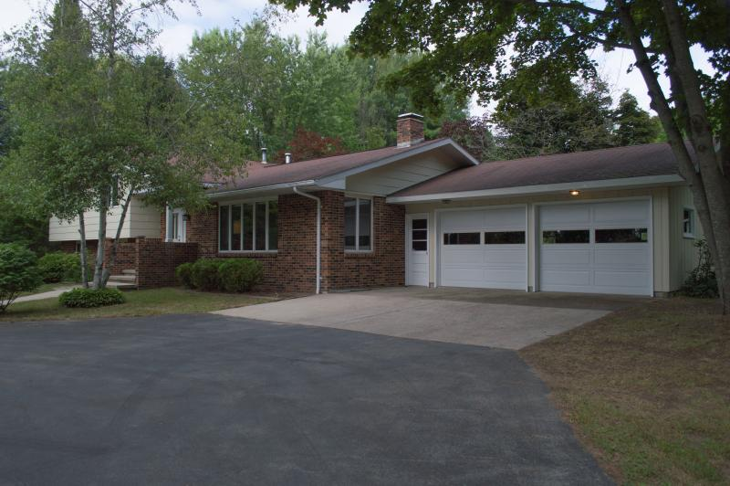 View of home from the circle driveway