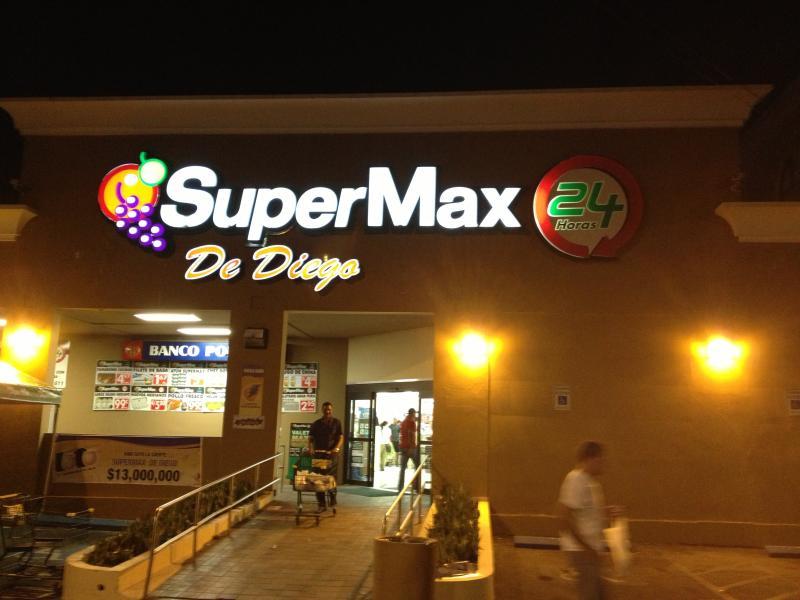supermercado de 24 horas gourmet 2 cuadras