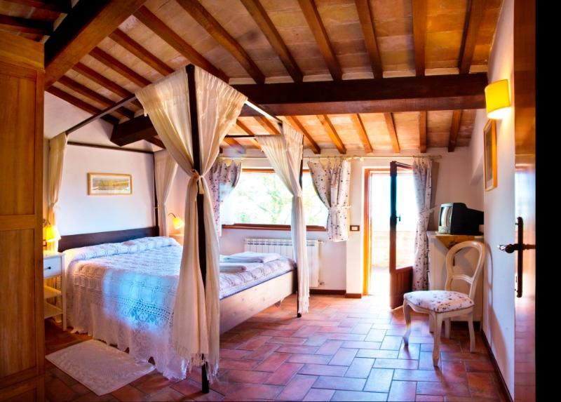 Poggio Cantarello Country Home, vacation rental in Chiusi