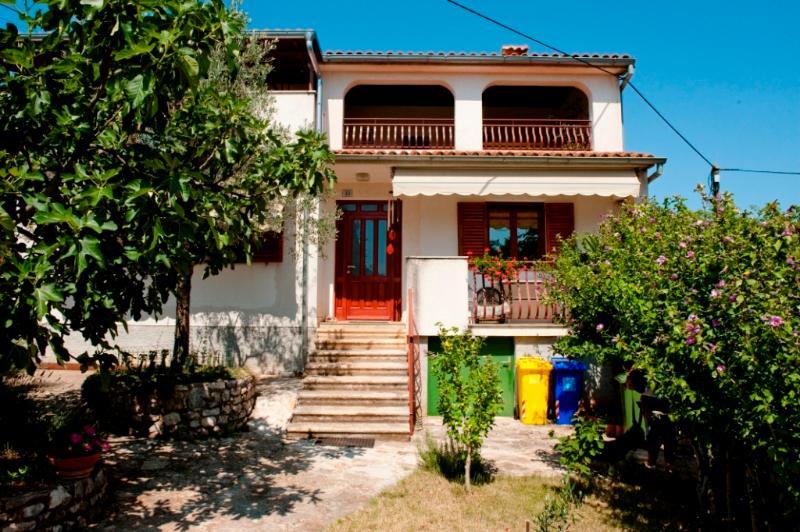 Apartment  Morena, vacation rental in Brajkovici