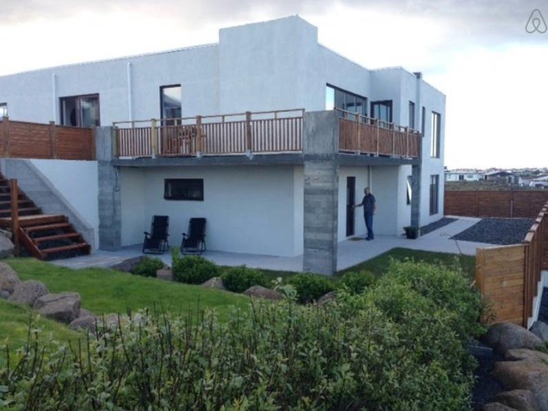 Melás 9 Guesthouse, location de vacances à Grindavik