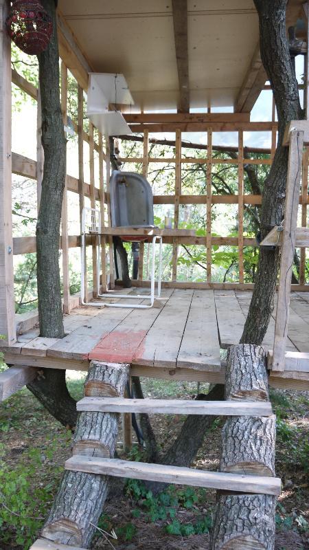 La petite maison dans les arbres ou kids'paradise