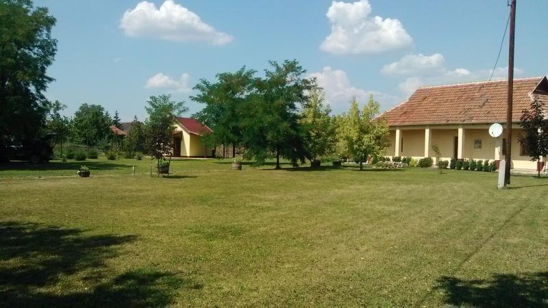 Ferienhaus Ostungarn mit Terasse und Garten, vacation rental in Northern Hungary