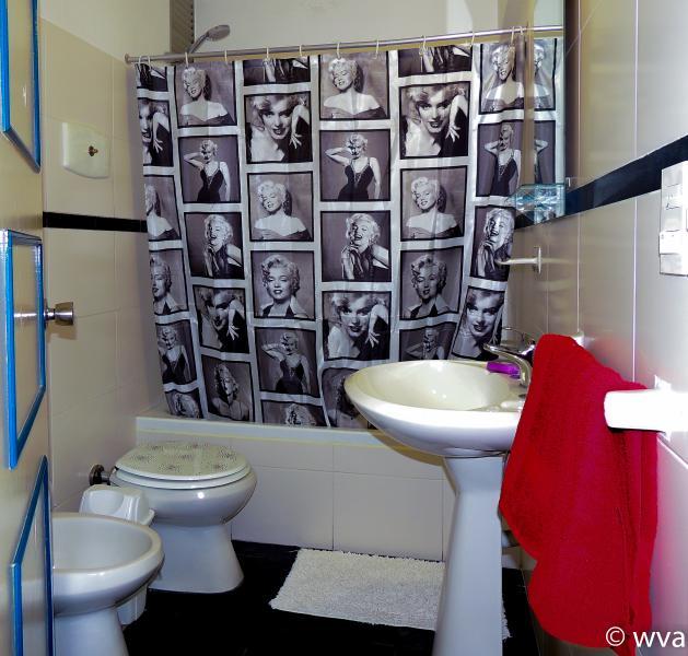 Baño. Este apartamento tiene 2 baños